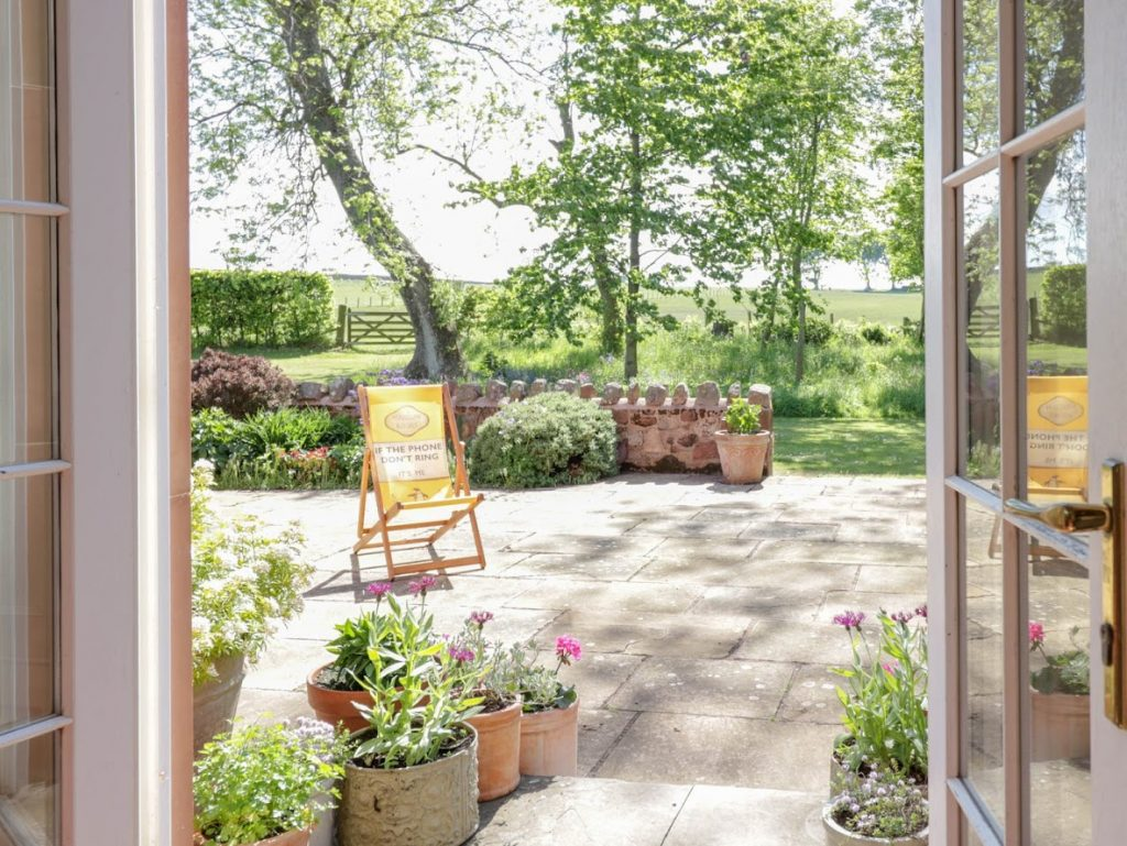 Tanderlane Staycation in East Lothian Garden